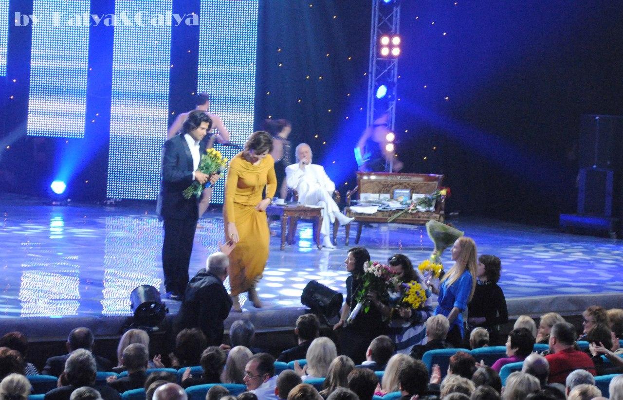 Владимира Ткаченко задарили цветами